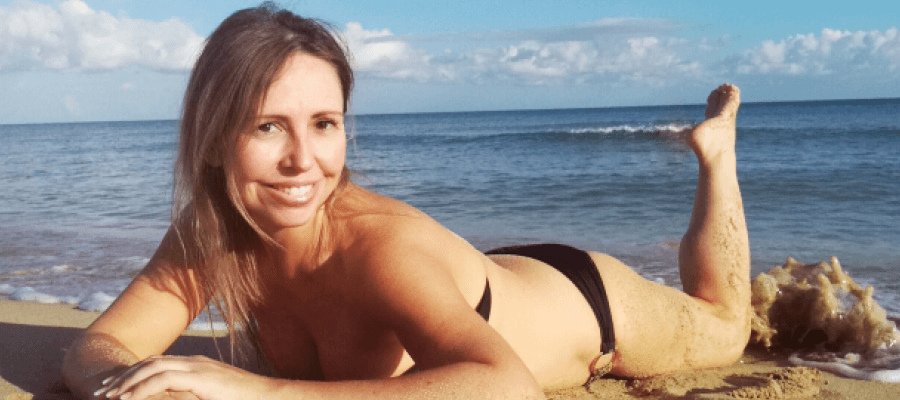 Antonella am Strand - Cellulite? Kein Thema!
